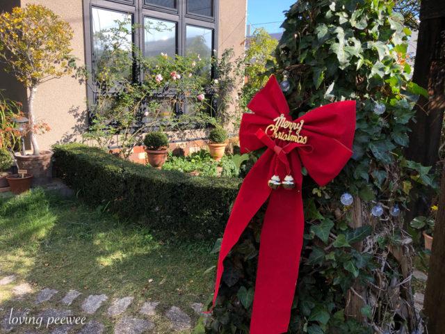 クリスマス庭の飾りつけ